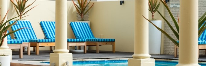 Radisson Blu Le Vendome Hotel invites you to enjoy the pool this summer!